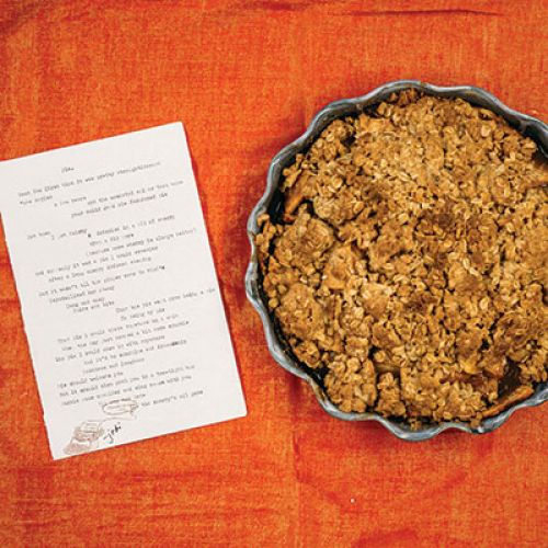 "Jodi Egerton's ""Hot Damn, That's Alotta Flavor!"" Apple-Pear Crisp Crumble Pie"